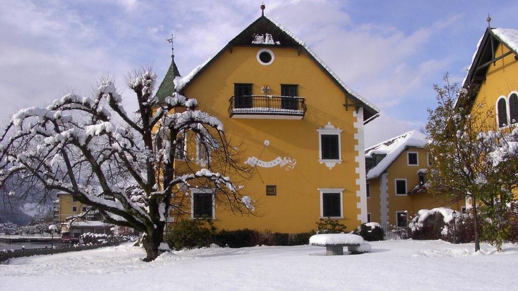 See-Villa im Winter